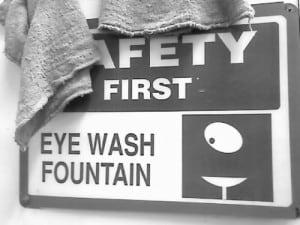 eyewash-01