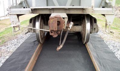 absorbent mats for railroad tracks