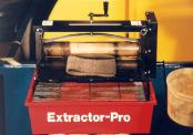 Extractor Pro absorbent wringer