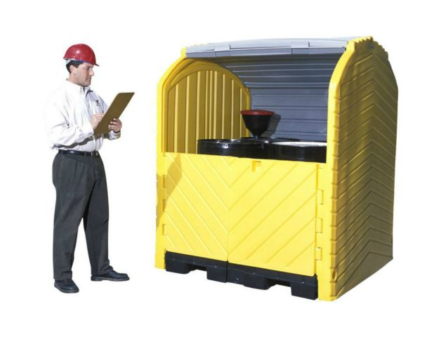 Door Spill Containment : Outdoor drum storage for spill containment