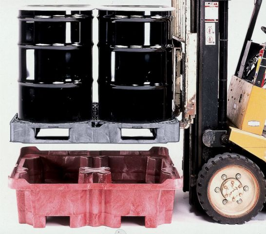 forkliftable spill containment pallets